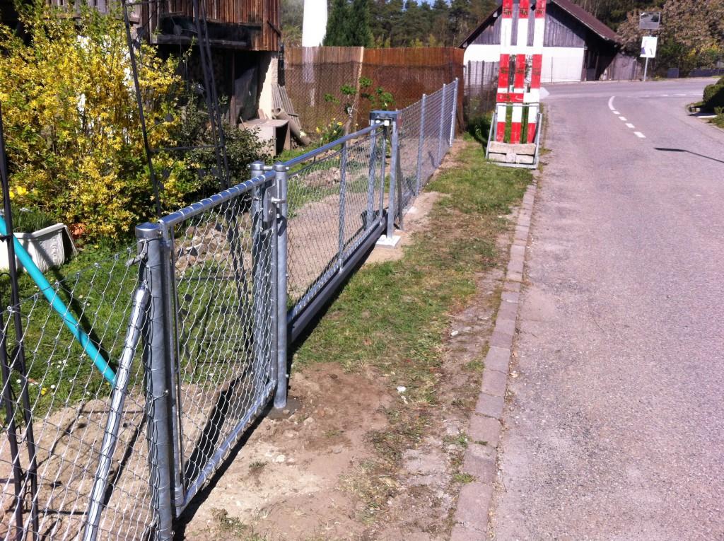 Clôture avec portail fixe et coulissant