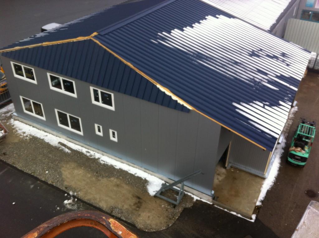 Façade et toiture agrandissement halle commerciale